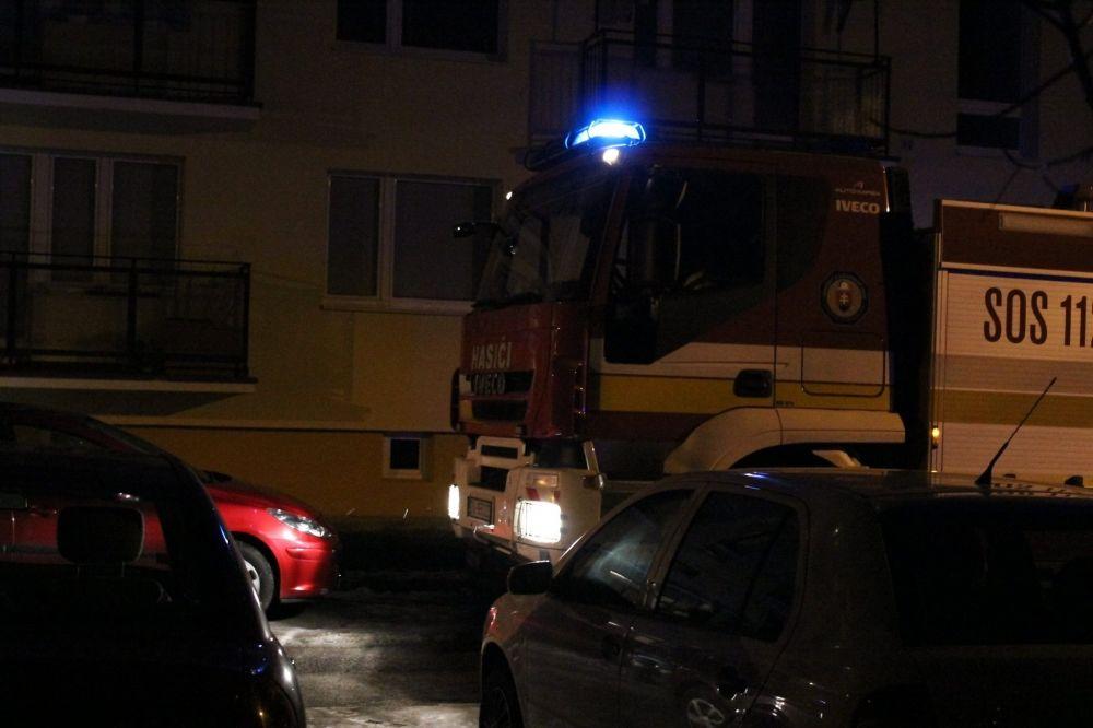 Výjazd hasičov na Tulskú ulicu na Vlčincoch, foto 3