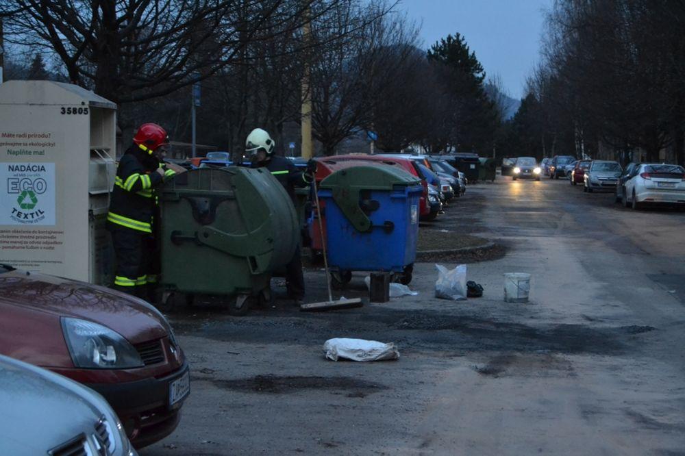 Vyliaty motorový olej na Prešovskej, foto 2