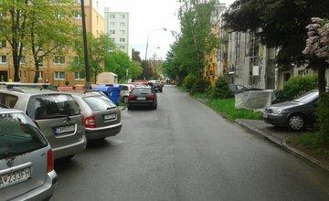 Na Gabajovej ulici sa niekto pokúšal vlámať do automobilov