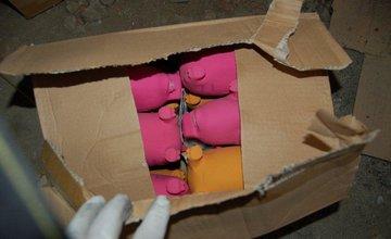 Mladíci kradli chovateľské potreby, vodoinštalačný materiál aj mäso