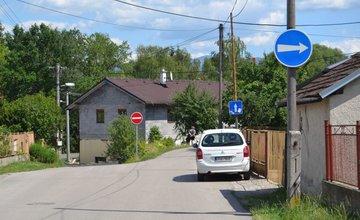 Nová jednosmerná cesta na ulici Majerská, časť Rosinky