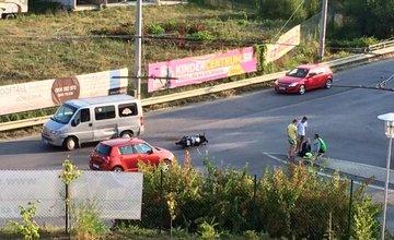 Nehoda motorkárky a dodávky na sídlisku Hájik 16.8.2015