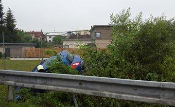 V Trnovskom esíčku skončilo v potoku už viac ako 10 áut