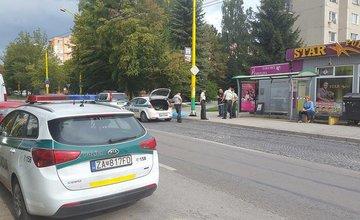 Prvá správa: Na zastávke Matice Slovenskej odpadol starší muž