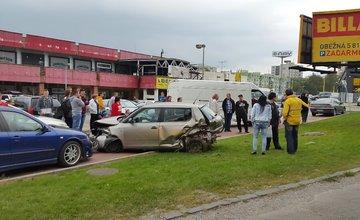 Práve sa deje: Vážna nehoda na Vysokoškolákov