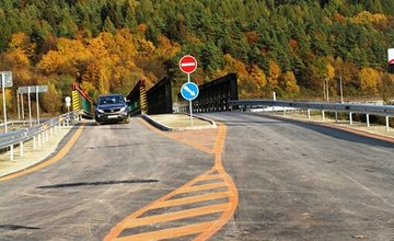 Otvorenie dočasného mosta vo Vraní