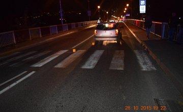 Vodič zrazil dve chodkyne na priechode pre chodcov