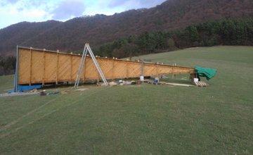 18-metrová zraková pyramída na kopci v Súľove