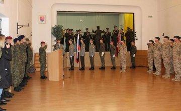 V kasárňach sa dnes lúčili s 35 vojakmi, ktorí odchádzajú do Afganistanu