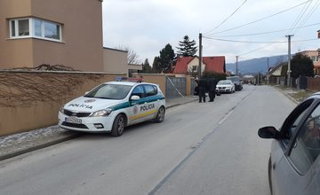 Výbuch neznámej pyrotechniky - Trnové, 17.1.2016