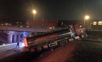 Nehoda cisterny na vjazde do Žiliny - 24.3.2016