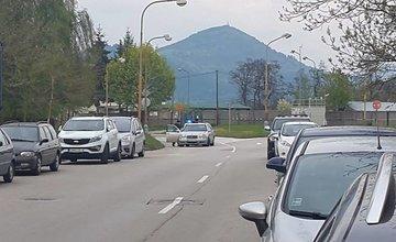 Parkovanie v jazdnom pruhu Obežná ulica 25.4.2016