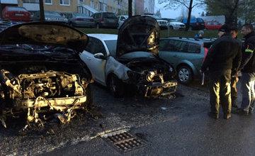 Požiar osobného auta na Hájiku - 28.4.2016 fotografie od majiteľa