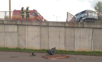Aktuálne dopravná nehoda na zjazde z Vlčiniec na Košickú