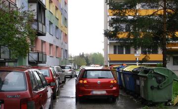Nebezpečné kontajnery Slovanská ulica