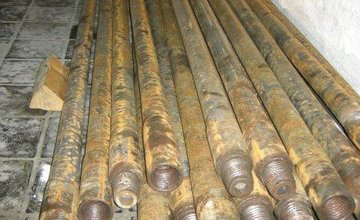 Krádež vrtných tyčí v Považskom Chlmci