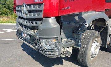 Dopravná nehoda v okrese Martin - motocyklista a nákladné auto