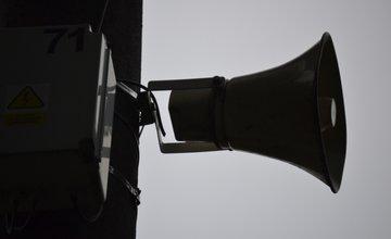 Prestrihnuté káble na rozhlase v Trnovom