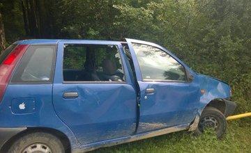 Vozidlo v lesoparku niekto podpálil