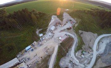 Výstavba diaľničnej estakády v Lietavskej Lúčke