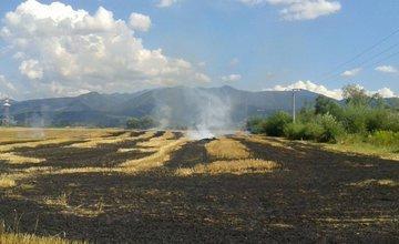 Včerajší požiar na poliach v obci Mojš