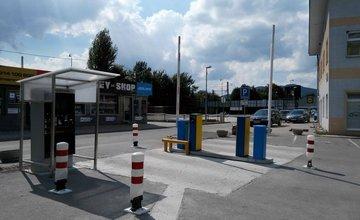 Parkovanie pri štadióne MšHK Žilina