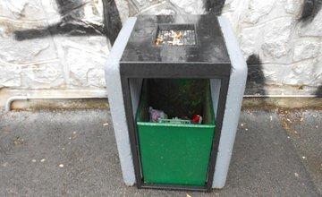 Nové odpadkové koše na sídlisku Vlčince