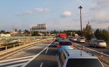 Dopravná nehoda na estakáde - 6.9.2016