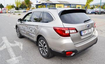 Test Subaru Eyesight na parkovisku pri OC Dubeň