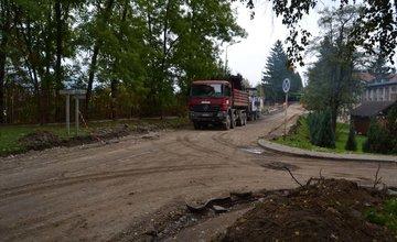 Práce na rekonštrukcii parkoviska v areáli žilinskej nemocnice