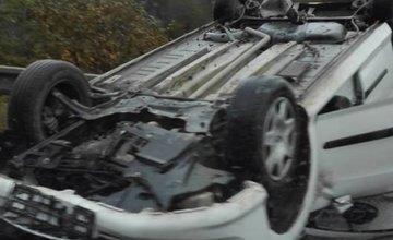 Prevrátený automobil Kysucký Lieskovec 19.10.2016