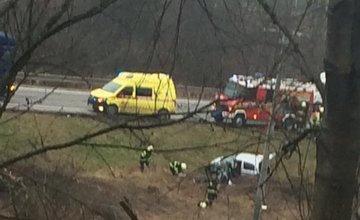 Pri Krásne nad Kysucou došlo k tragickej nehode auta a kamióna