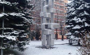 Očistená a zrekonštruovaná socha Bajzova ulica