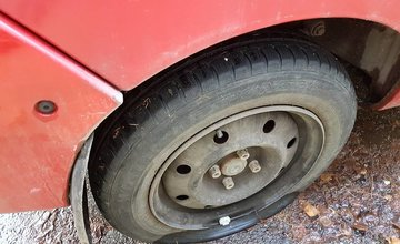 Prepichnuté pneumatiky na osobných autách