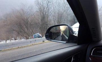 Dopravná nehoda pod Strečnom - 16.2.2017