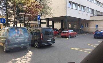Nezodpovedné parkovanie v žilinskej nemocnici