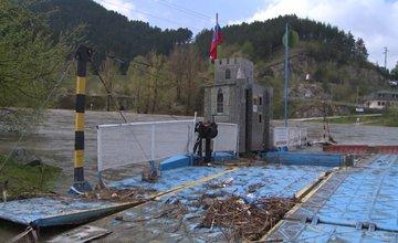 Poškodená kompa v obci Strečno