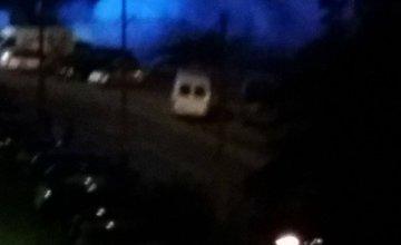 Na Smrekovej ulici horí osobné auto