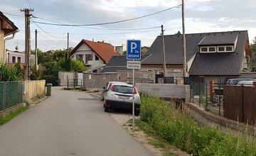 Kuriózne dopravné značenie bez povolenia v Trnovom