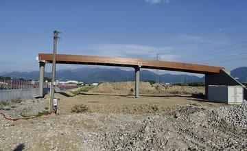 Lávka pri Tepličke nad Váhom bola kompletne osadená nad cestou II/583