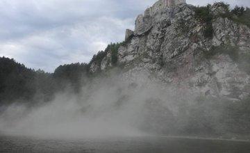 Zosun skalného masívu pod Strečnom - 18.7.2017