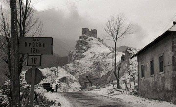 Historické fotografie hradu Strečno