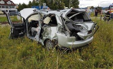 Nehoda vlaku a osobného auta na priecestí v Bytčici