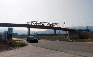 Budovanie lávky pri Tepličke nad Váhom - august 2017