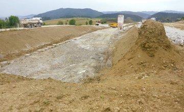 NDS zverejnila aktuálne fotky zo stavby diaľničného úseku D1 Lietavská Lúčka - Dubná Skala
