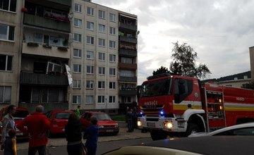 V byte na ulici Revolučná vybuchol plyn, na mieste sú hasiči aj záchranná služba