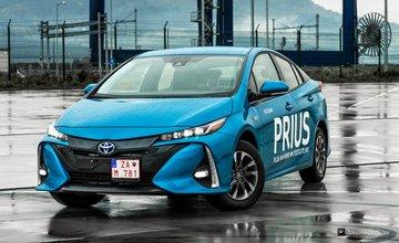 Veľké porovnanie: Hyundai Ioniq Plug-In vs Toyota Prius Plug-In