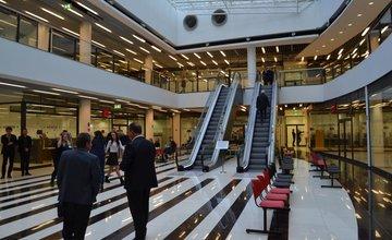 FOTO: Klientske centrum na sídlisku Vlčince dnes slávnostne otvorili