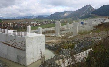 NDS zverejnila aktuálne fotografie z výstavby diaľničného úseku Lietavská Lúčka - Višňové