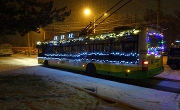 Vianočný trolejbus v uliciach Žiliny aj v roku 2017